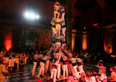 Gala-Abend Barcelona: Dinner-Show mit Castellers Pyramide